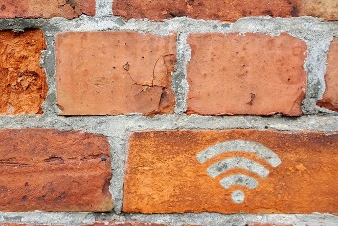 Best Wifi Mesh System for Thick Walls